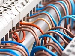 Enkeladerige kabels