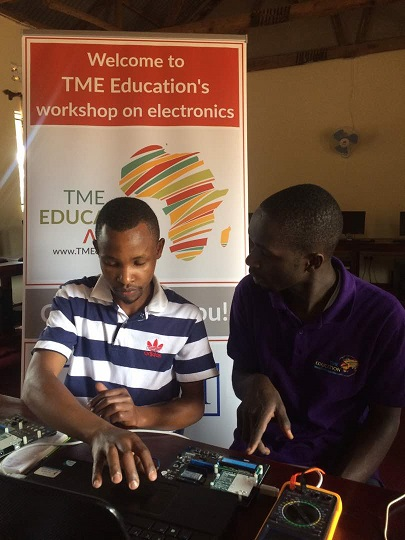 Watch the video form the first two workshops for teachers in Uganda!